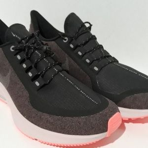 Women's Nike Air Zoom Pegasus 35 Rain Shield